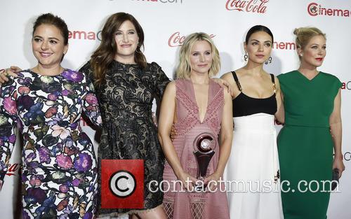 Annie Mumolo, Kathryn Hahn, Kristen Bell, Mila Kunis and Christina Applegate 6