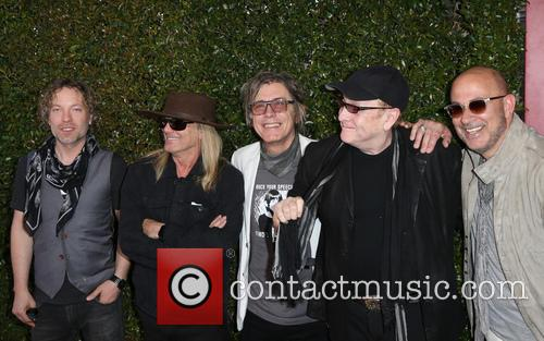 Daxx Nielsen, Robin Zander, Tom Petersson, Rick Nielsen and John Varvatos 4