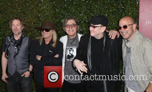 Daxx Nielsen, Robin Zander, Tom Petersson, Rick Nielsen and John Varvatos 5