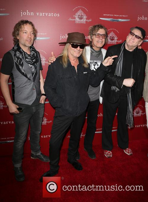 Daxx Nielsen, Robin Zander, Tom Petersson and Rick Nielsen 7