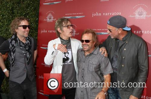 Daxx Nielsen, Tom Petersson, Michael Anthony and Chad Smith 2