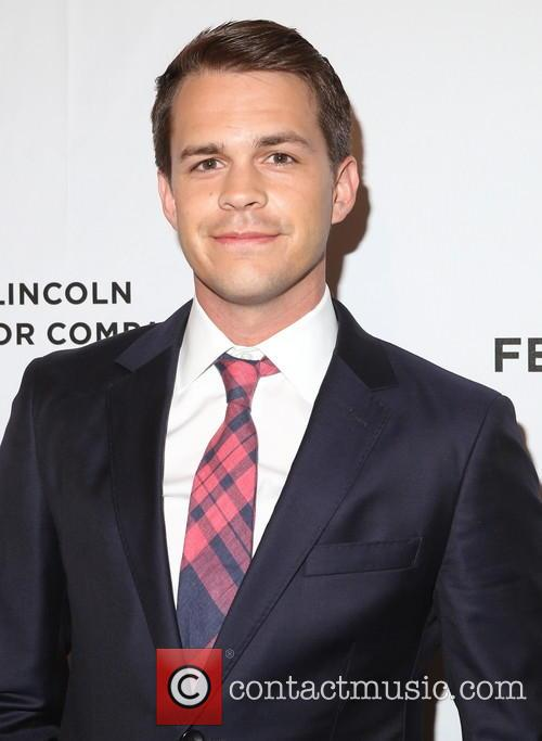 Johnny Simmons 4