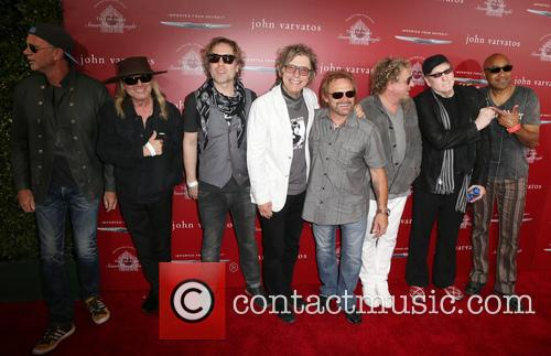 Chad Smith, Robin Zander, Daxx Nielsen, Tom Petersson, Michael Anthony, Sammy Hagar, Rick Nielsen and Vic Johnson 4