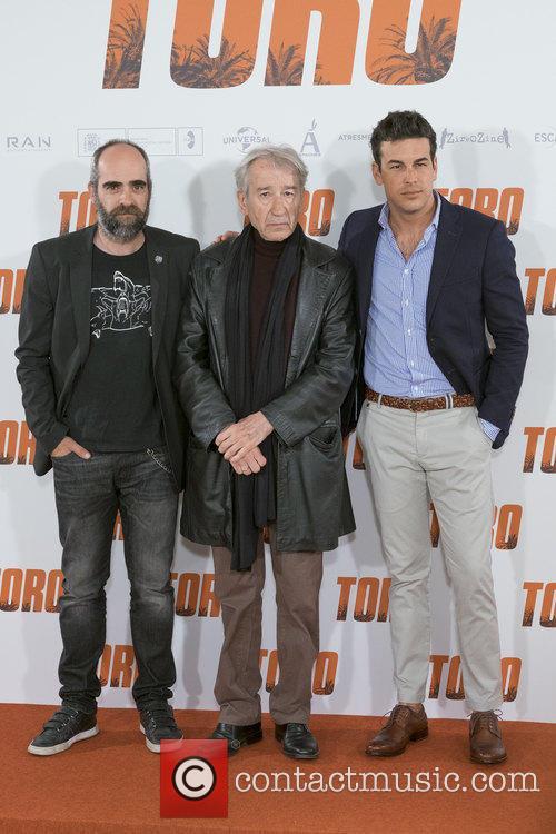 Luis Tosar, Jose Sacristan and Mario Casas 6