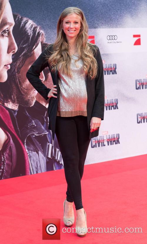 Nina Eichinger (pregnant) 3