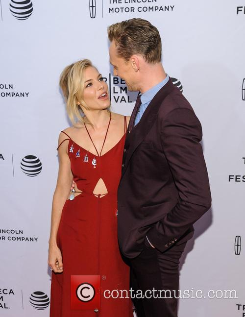 Sienna Miller and Tom Hiddleston 1