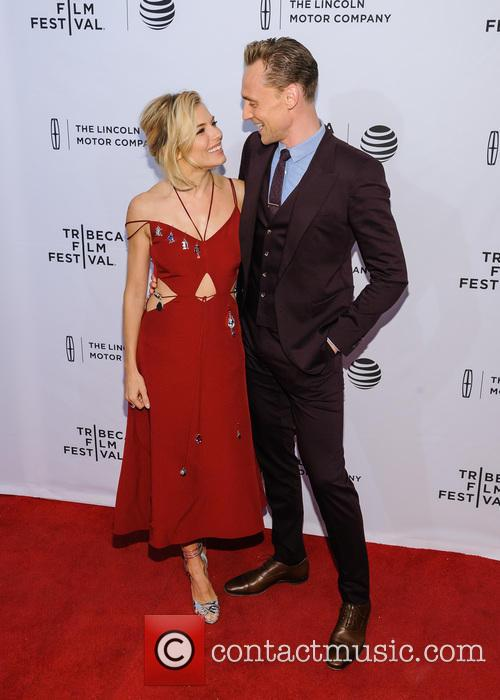 Sienna Miller and Tom Hiddleston 2