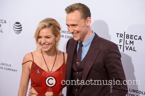 Sienna Miller and Tom Hiddleston 9