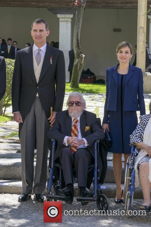 Miguel, Queen Letizia Of Spain, King Felipe Vi Of Spain and Fernando Del Paso 10