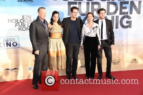 Tom Hanks, Sarita Choudhury, Tom Tykwer, Sidse Babett Knudsen and Alexander Black 5