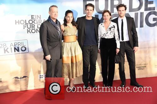 Tom Hanks, Sarita Choudhury, Tom Tykwer, Sidse Babett Knudsen and Alexander Black 7
