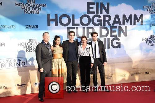 Tom Hanks, Sarita Choudhury, Tom Tykwer, Sidse Babett Knudsen and Alexander Black 8