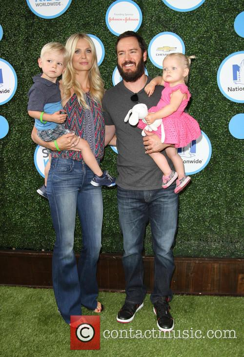 Mark-paul Gosselaar, Wife Catriona Mcginn, Son Dekker Edward Gosselaar and Daughter Lachlyn Hope Gosselaar 1