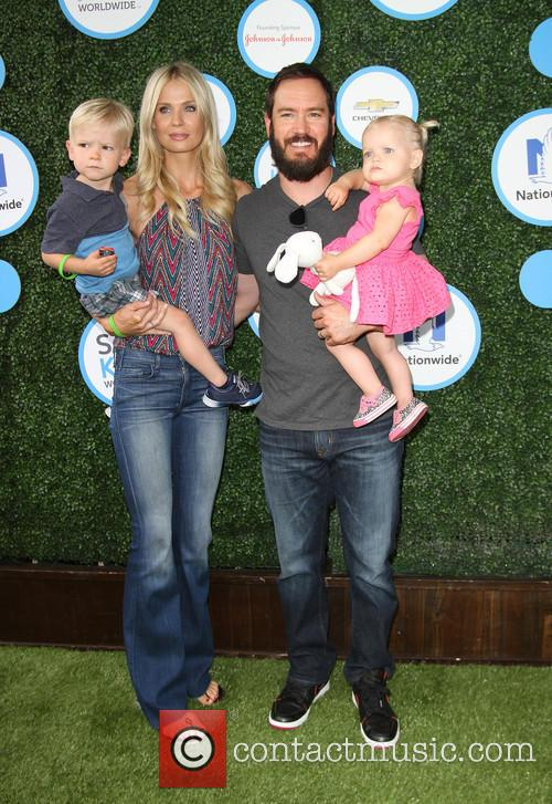 Mark-paul Gosselaar, Wife Catriona Mcginn, Son Dekker Edward Gosselaar and Daughter Lachlyn Hope Gosselaar 2