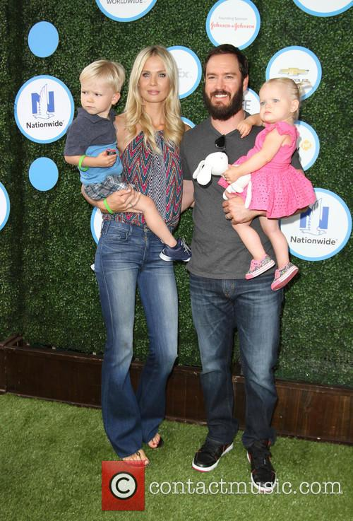 Mark-paul Gosselaar, Wife Catriona Mcginn, Son Dekker Edward Gosselaar and Daughter Lachlyn Hope Gosselaar 3