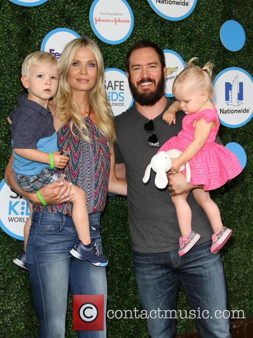 Mark-paul Gosselaar, Wife Catriona Mcginn, Son Dekker Edward Gosselaar and Daughter Lachlyn Hope Gosselaar 5