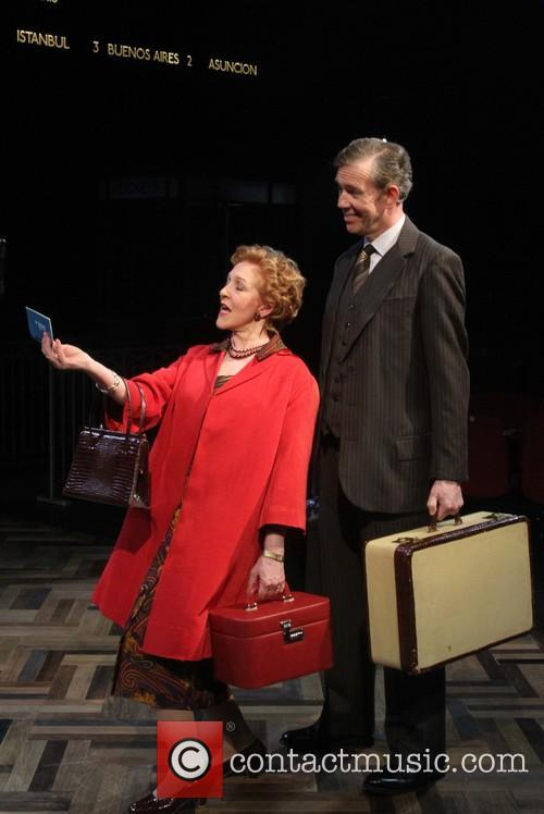 Patricia Hodge and Steven Pacey As Henry 3