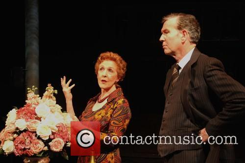 Patricia Hodge and Steven Pacey As Henry 6