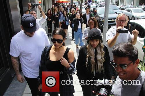 Kim Kardashian, Rob Kardashian and Blac Chyna 8