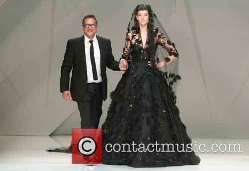The indian-american famosu designer Naeem Khan show his...