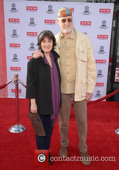 Anna Stuart and James Cromwell 1