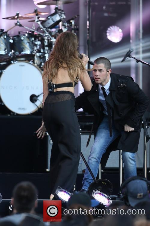 Tove Lo and Nick Jonas 8