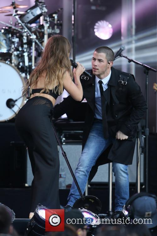 Tove Lo and Nick Jonas 9