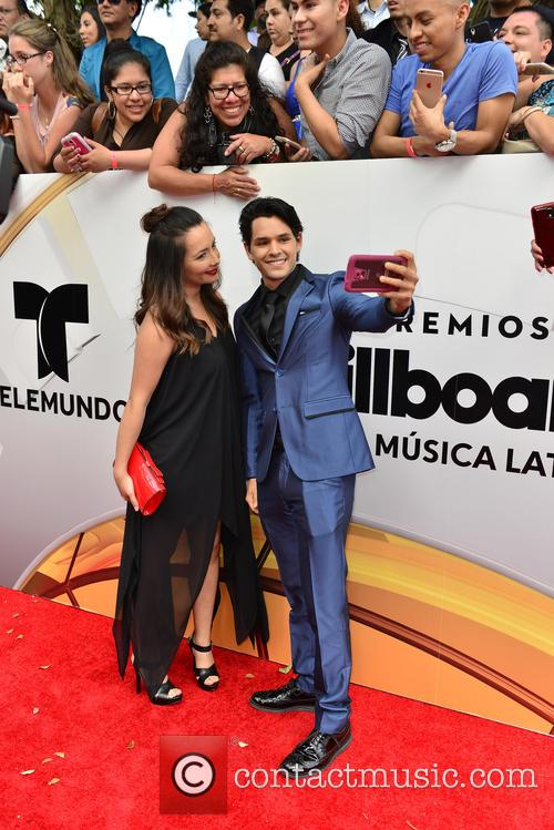 Billboard and Ricardo Abarca 7