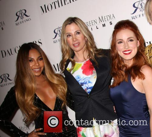 Ashanti, Mira Sorvino and Alexandra Daniels 4