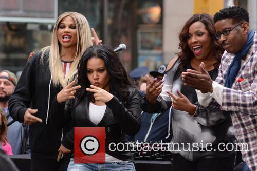 Salt-n-pepa and Dj Spinderella 3