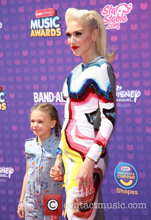 Guest and Gwen Stefani 8