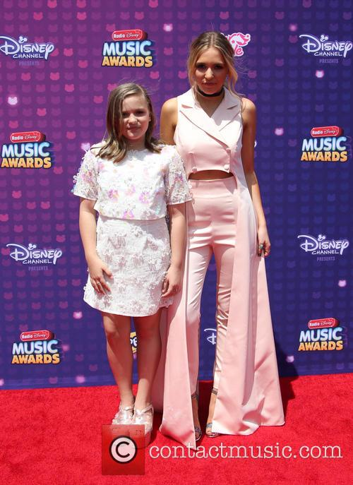 Lennon Stella and Maisy Stella 1