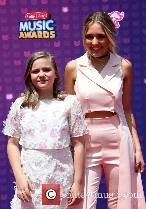 Lennon Stella and Maisy Stella 2