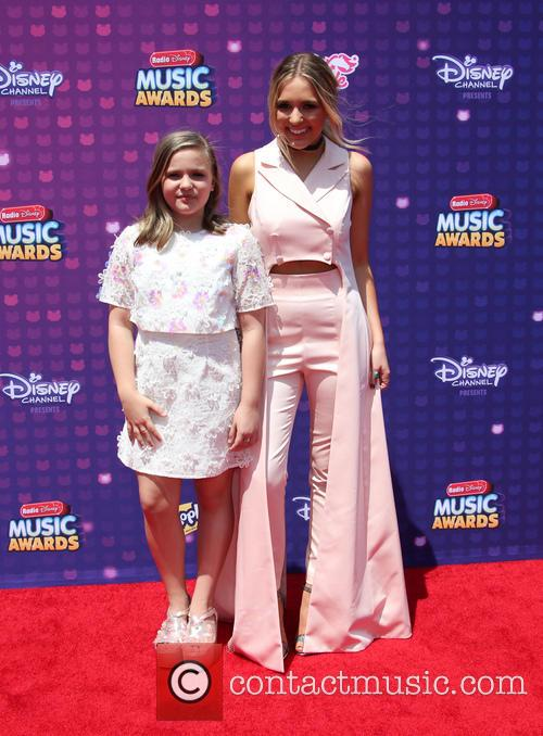 Lennon Stella and Maisy Stella 3
