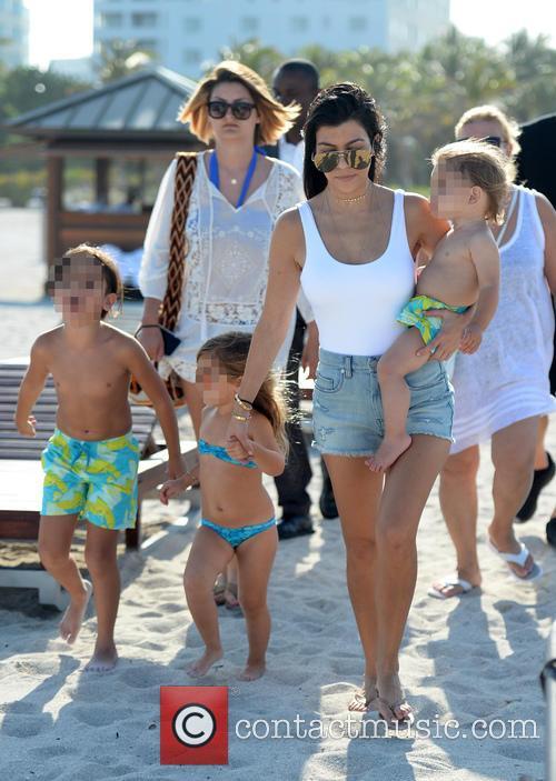 Kourtney Kardashian, Mason Disick, Reign Disick and Penelope Disick 6