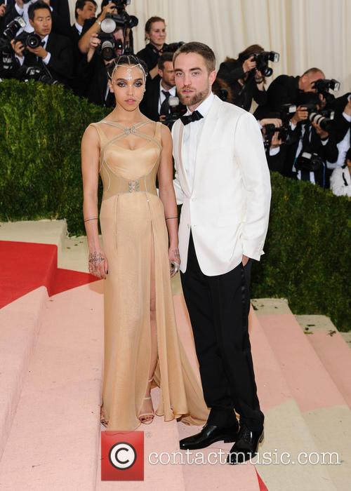 Fka Twigs and Robert Pattinson 1