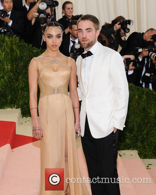 Fka Twigs and Robert Pattinson 2