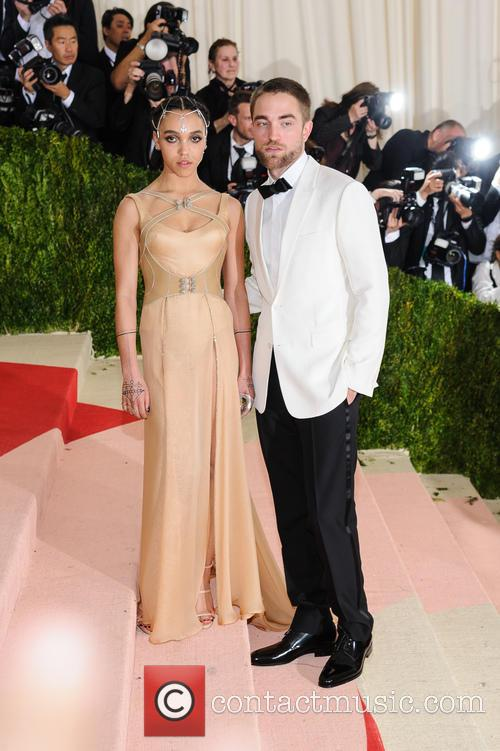 Fka Twigs and Robert Pattinson 3
