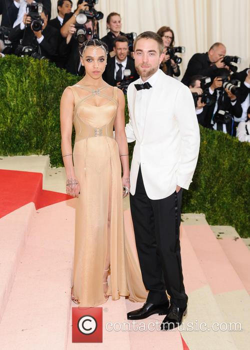Fka Twigs and Robert Pattinson 5