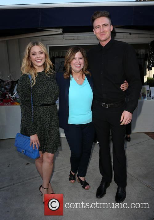 Sasha Pieterse, Linda Small and Hudson Sheaffer 9