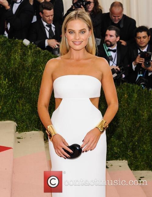 Margot Robbie Recalls Mistaking Prince Harry For Ed Sheeran