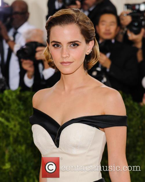 Emma Watson Leaves Books On The London Underground For Passengers To Find