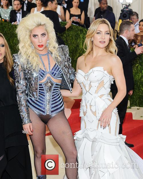 Lady Gaga and Kate Hudson 8