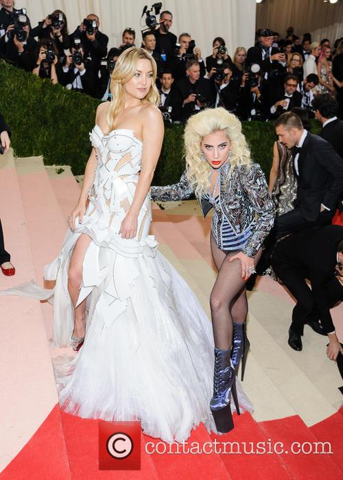 Lady Gaga and Kate Hudson 9