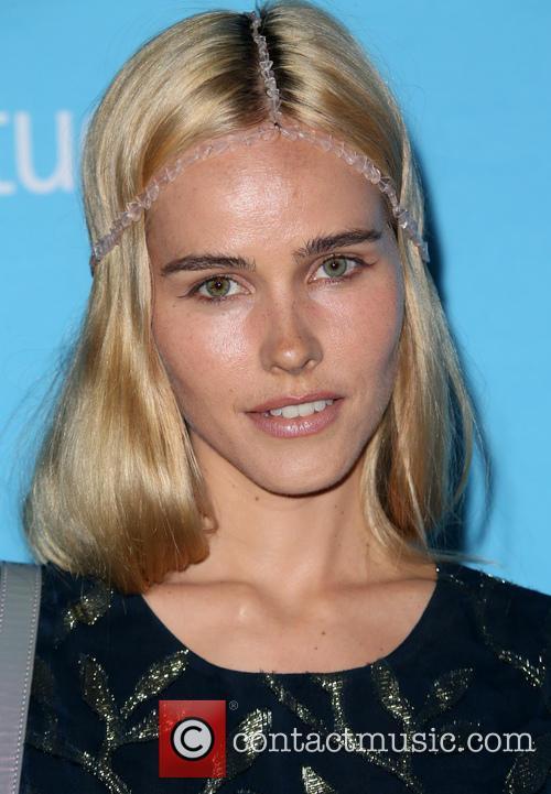 Isabel Lucas 7