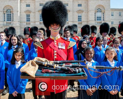 Guards and The Commonwealth Children's Choir 2