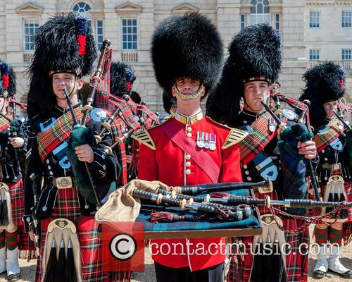 Pipers and Guards 3
