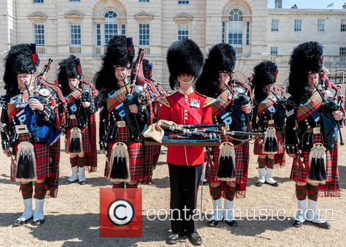 Pipers and Guards 4