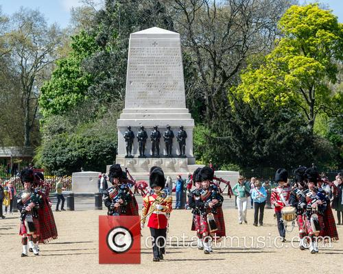 Pipers and Guards 5