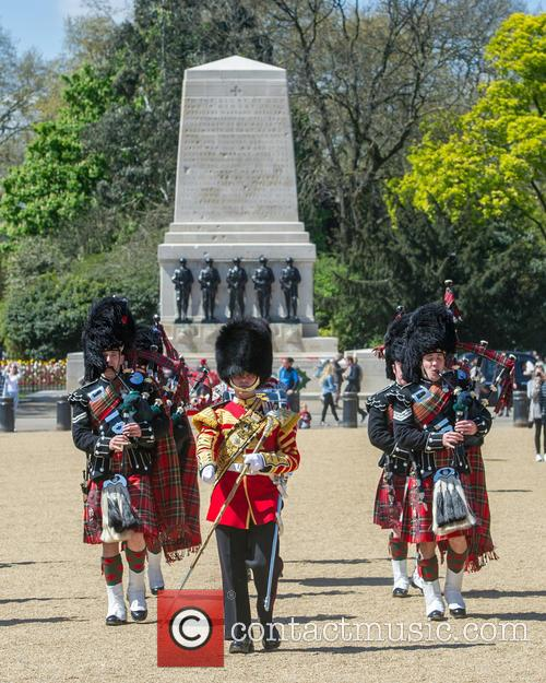 Pipers and Guards 6